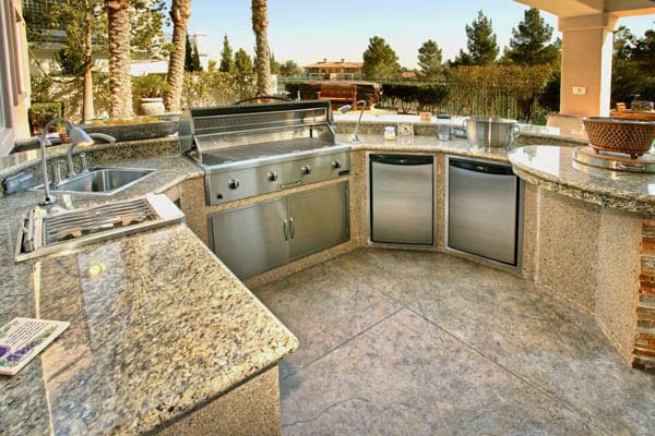 Outdoor-Kitchen-Appliances